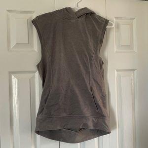 Rare lululemon pull over vest size 4🥰🥰